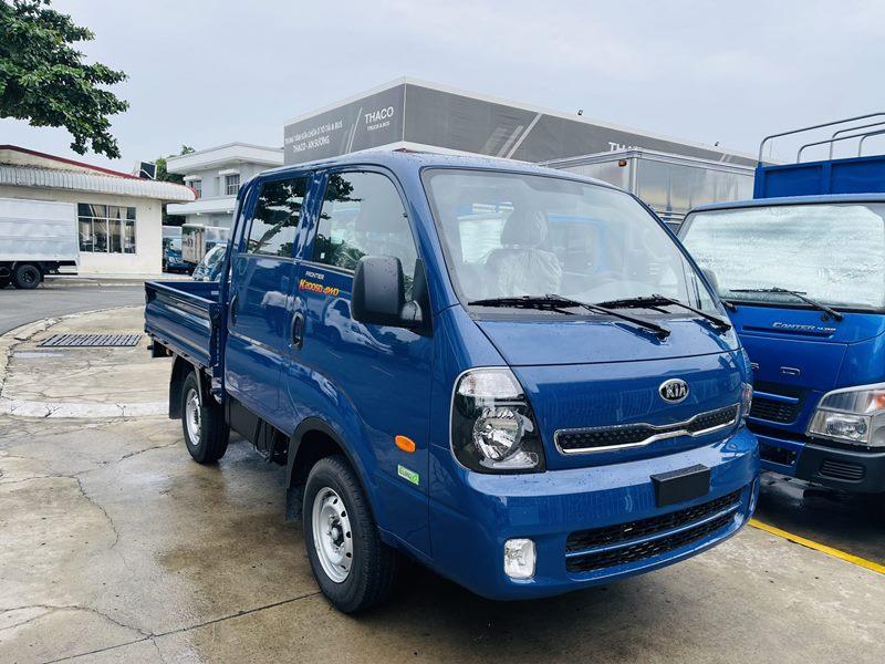 xe tải 2 cầu cabin kép kia k200sd màu xanh thùng lửng