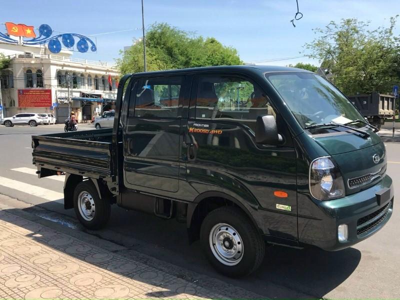 xe tải 2 cầu cabin kép kia k200sd màu xanh rêu thùng lửng