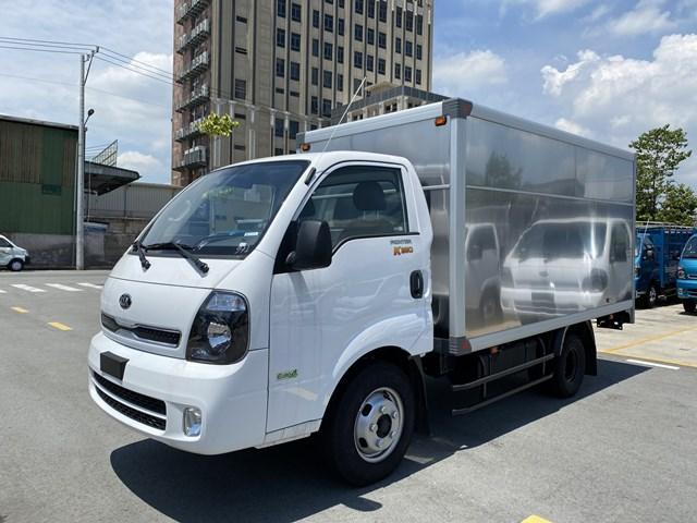 Xe tải 2.5 tấn Kia K250 thùng kín màu trắng