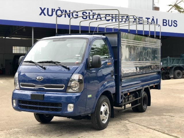 Xe tải 2.5 tấn (2T5) Kia K250 thùng mui bạt 3 bửng