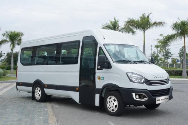 xe-minibus-iveco-1.jpg