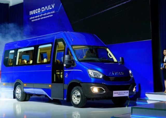 xe-minibus-iveco.jpg