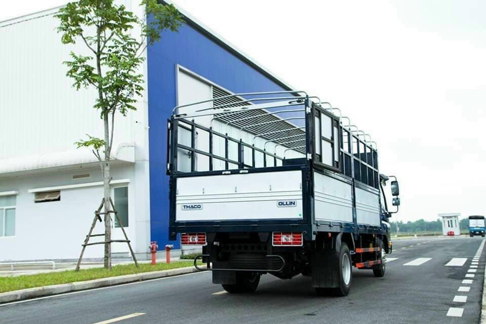 xe-ollin-700-thaco-3t5-thung-mui-bat.jpg