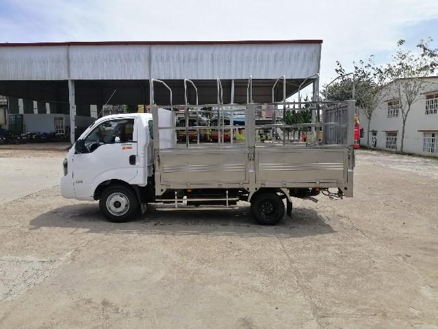 xe-tai-2t5-kia-k250-thung-inox-304-mui-bat_4.jpg