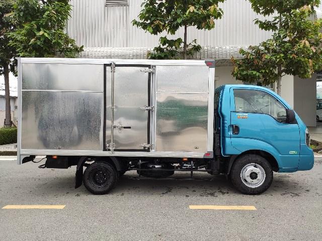 xe-tai-k250-thung-kin-2t5-xanh-duong.jpg_1