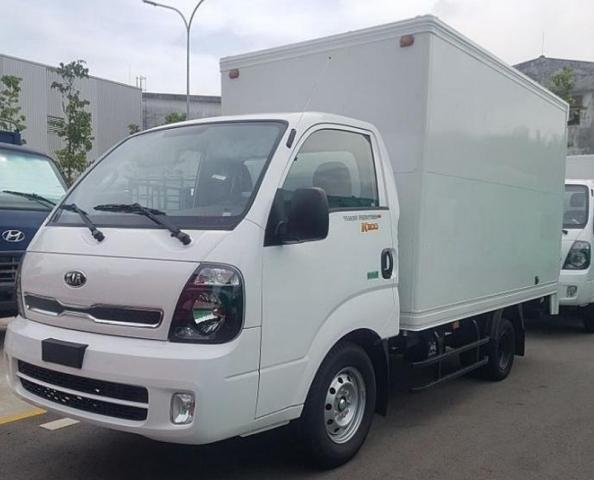 xe-tai-kia-k200-thung-kin-tai-trong-1t9-ton-den.jpg