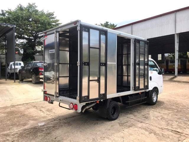 Xe tải kia k200 thùng kín mở 01 cửa hông